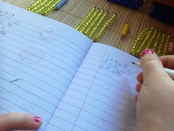 Multiplication avec les perles de couleur